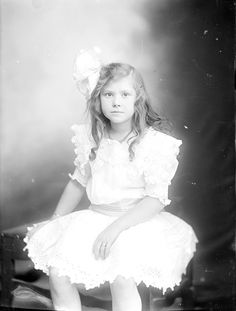 Madeline Sloan from Holsinger Studio Collection · Holsinger's Studio (Charlottesville, Va.) · 1890-1938 · Albert and Shirley Small Special Collections Library, University of Virginia.