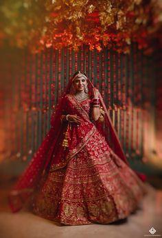 Latest Bridal Lehenga Designs, Wedding Lehenga Designs, Designer Bridal Lehenga, Indian Bridal Outfits, Indian Bridal Fashion, Indian Bridal Wear, Indian Wedding Video, Couple Wedding Dress, Indian Wedding Lehenga