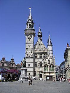 Belfort of Aalst, Belgium Famous Buildings, Unique Buildings, Beautiful Buildings, Belgium Europe, Visit Belgium, Travel Belgium, Luxembourg, Flanders Belgium, World Cities