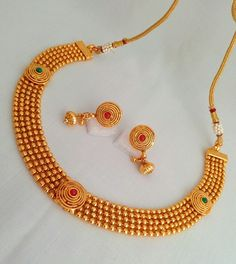 Gold Wedding Jewelry, 14k Gold Jewelry, Gold Jewellery Design, Bridal Jewelry, Nose Jewelry, Jewelry Art, Jewlery, Gold Mangalsutra Designs, India Jewelry