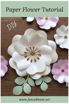 Paper Flower Patterns, Paper Flowers Craft, Large Paper Flowers, Paper Flower Tutorial, Paper Flower Wall, Paper Roses, Flower Crafts, Diy Flowers, Free Paper Flower Templates