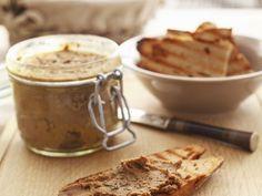 Pastete aus Geflügel ist ein Rezept mit frischen Zutaten aus der Kategorie Hähnchen. Probieren Sie dieses und weitere Rezepte von EAT SMARTER!