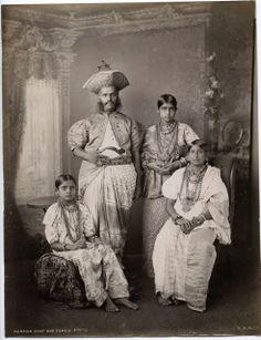 Kandian+Chief+and+Family+-+Ceylon+(Sri+Lanka)+c1880's