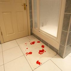 turns red when it gets wet. great for guest bath, cruel but hilarious!