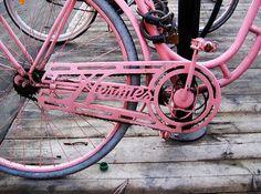 With Vintage Bicycles.A Fun Story Pembe Hermes bisikleti beğendik. Color Magenta, Purple, Pretty In Pink, Perfect Pink, Pink Bike, I Believe In Pink, Gris Rose, Look Vintage, Vintage Pink