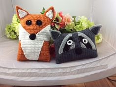 Ravelry: Raccoon and Red Fox Pillow Pals pattern by Lisa Kingsley crochet