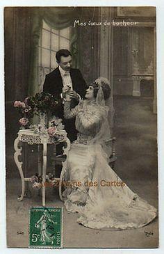Carte-postale-ancienne-Maries-Mes-voeux-de-bonheur-Belle-robe