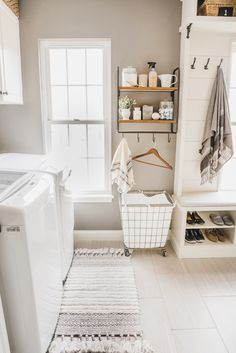 Laundry Room Storage Solutions: Creative Organizers for a Small Laundry Room Small Laundry Rooms, Laundry Room Storage, Laundry Box, Laundry Room Inspiration, Room Accessories, My Room, Storage Solutions, Home Decor, Mud