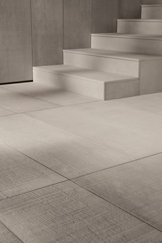 Kronos OUTDOORS is the line of porcelain stoneware paving tiles 2 cm thick, specifically for outdoor use.