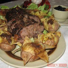Őzgerinc hajában sült burgonyával, áfonyadzsemmel Beef, Food, Meat, Meal, Eten, Meals, Ox, Ground Beef, Steaks