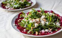Rote Beete Salat mit Schaftskäse und Pinienkernen
