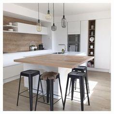 Home Decorating Websites Free Kitchen Island Table, Kitchen Benches, New Kitchen, Kitchen Decor, Kitchen Vent Hood, Küchen Design, Kitchen Flooring, Interior Design Kitchen, Home Kitchens