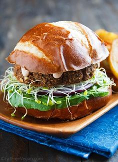 Savory Lentil-Mushroom Burgers from Fat Free Vegan Kitchen soy free for me Vegan Lentil Burger, Lentil Burgers, Vegan Burgers, Vegan Vegetarian, Vegetarian Recipes, Healthy Recipes, Vegan Food, Lentil Recipes, Meatless Burgers
