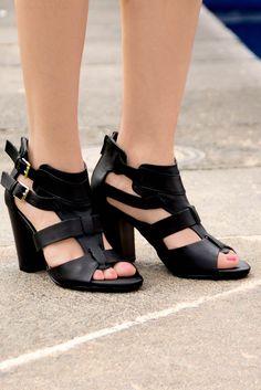 Primavera fashion con las #sandalias mas #chic de la temporada #ILOVEPS #PriceShoes #shoes #trendy #cute #girl   De venta en → http://tiendaenlinea.priceshoes.com/