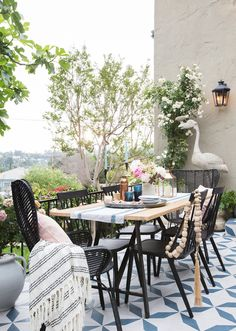 EXCLUSIVE: Emily Henderson's Backyard Makeover Is as Stylish as You'd Expect - HouseBeautiful.com