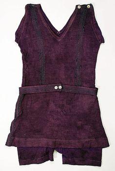 Beachwear (Bathing Suit)  Date: 1915–25 Culture: American Medium: wool, silk Dimensions: Length (from shoulder): 30 in. (76.2 cm)