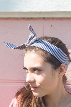 Retro hair tie, twisted wire headband, blue dolly bow, rockabilly hair tie, vintage headband. Blue and grey stripes print give to this