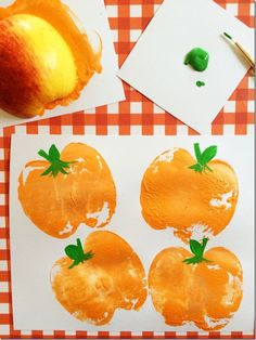 10 Easy Fall Crafts for Toddlers | Carrots 'N' Cake | Bloglovin' Thanksgiving Crafts For Toddlers, Halloween Crafts For Toddlers, Easy Fall Crafts, Toddler Halloween, Halloween Activities, Kids Crafts, Halloween Party, Halloween Halloween, Halloween Quilts