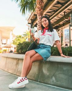 Viaje travel tumblr blogger fashion moda 90s inspired inspiration outfit ootd outfit of the day jean skirt falda jean pañuelo neck scarf instagramer disney springs magazine steve madden pacsun simple style vintage noventas