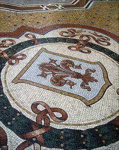 Il giglio - stemma di Firenze: una delle quattro capitali del Regno d'Italia (Galleria Vittorio Emanuele II Milano)