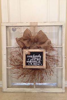 Farmhouse Wreath Diy Window Frames 17 Ideas For 2019 Old Window Crafts, Old Window Projects, Country Decor, Rustic Decor, Farmhouse Decor, Window Art, Window Frames, Window Frame Ideas, Window Pane Decor