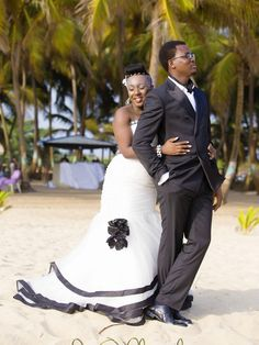 Wedding Diaries | Bride Berry and Cakes' Black and White Beach Wedding