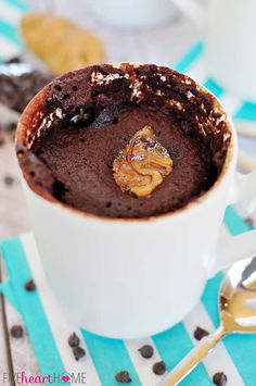 One-Minute Chocolate Peanut Butter Mug Cake is a moist chocolate cake with a molten peanut butter center that quickly bakes up in a mug in the microwave! Mug Recipes, Cake Recipes, Dessert Recipes, Quick Dessert, Bread Recipes, Peanut Butter Mug Cakes, Chocolate Peanut Butter, Scones, Breakfast
