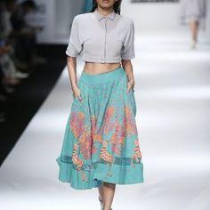 saaj-by-ankita-at-amazon-india-fashion-week-2017-6