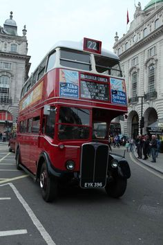 A magical time warp appeared to manifest itself in London, when Saturday shoppers were surprised by buses of past eras – many more than sixty years old – arriving unexpectedly, as if conjured from the ether, to whisk them away to the West End. In fact, it was a celebration of seventy-five years of the classic RT London bus organised by the London Bus Museum, in which fifty vintage vehicles returned to service for one day, offering free rides to all.