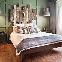 Tête de lit en bois de grange - Réalisation Claudie Dubreuil