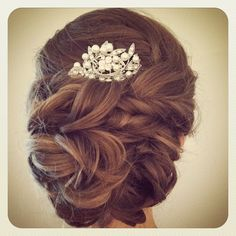 bridal hair updo low bun with jeweled comb #jamiewarzel