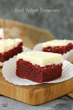 Gonna try have to make these for my husband since RV is his favorite! Outrageous Red Velvet Brownies Topped with Cream Cheese Frosting - Rich, dense and decadent. A Southern classic cake is turned into an easy brownie recipe. Yummy Treats, Sweet Treats, Yummy Food, Just Desserts, Dessert Recipes, Southern Desserts, Cake Recipes, Cupcake Cakes, Cupcakes