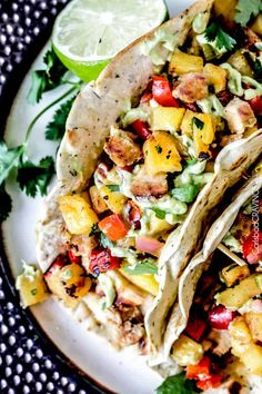 Chili Lime Chicken Tacos with Grilled Pineapple Salsa by Carlsbad Cravings Best Grilled Chicken Recipe, Lime Chicken Tacos, Chili Lime Chicken, Taco Cleanse, Cleanse Recipes, Mexican Food Recipes, Dinner Recipes, Dessert Recipes, Desert Recipes