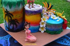 Sea Sand Sun 2sides Cake : Sweet Summer Collaboration by Yummy In Tummies.