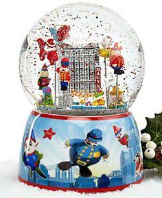 Macy's 2013 Thanksgiving Day Parade Snow Globe