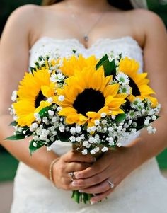 Sunflowers are everybody's love! Bold, fun and cool, they will make your wedding fabulous! Sunflowers are perfect for summer, late summer and fall weddings ...