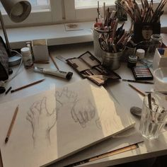 Trendy Ideas For Art Aesthetic Painting Hands Art Sketches, Art Drawings, Art Hoe Aesthetic, Aesthetic Painting, Aesthetic Drawings, Aesthetic Outfit, Aesthetic Makeup, Aesthetic Fashion, Love Doodles