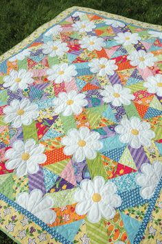 crazy quilting by hand Quilt Baby, Baby Quilt Patterns, Rag Quilt, Block Patterns, Quilt Top, Owl Patterns, Patchwork Patterns, Cute Quilts, Scrappy Quilts