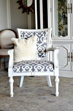 Moroccan Style White and Grey Upholstered Chair- Maybe for a dining room? Reupholster Furniture, Chair Upholstery, Upholstered Furniture, Chair Cushions, Refurbished Furniture, Home Decor Furniture, Furniture Making, Funky Furniture, Banquettes