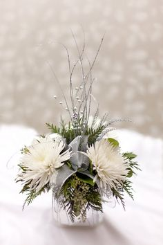 Top 18 Beautiful Christmas Wedding Centerpieces Ideas Married in Christmas? There are many benefits to getting married in this Christmas atmosphere. One of them is by combining elements of Christmas decorations at a wedding. There are many sp… Christmas Floral Designs, Christmas Flowers, Winter Flowers, Christmas Wreaths, Christmas Decorations, Christmas Candles, Holiday Decorating, Spring Flowers, Christmas Wedding Centerpieces