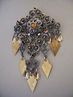 """DET MEST """"RIKTIGE"""" BUNADSØLVET... Jeg har ved et par anledninger nå sett en annonse i min lokalavis, hvor en gullsmedforretning rekl... Filigree Jewelry, Silver Jewelry, Vintage Jewelry, Jewellery, Viking Jewelry, Scandinavian Design, All Art, Traditional, Norway"""