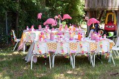 Pink Flamingo party at Kara's Party Ideas Pink Flamingo Party, Flamingo Decor, Flamingo Birthday, Pink Flamingos, Summer Party Themes, Party Ideas, Summer Ideas, Baby Shower, Picnics