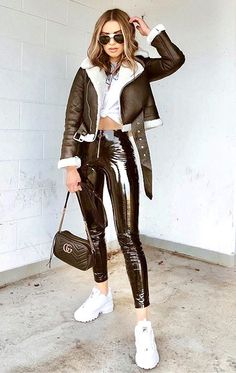 Leather Leggings, Leather Jacket, Hot Outfits, Fashion Outfits, Vinyl Leggings, Leder Outfits, Girls Sneakers, Skin Tight, Clothing Styles