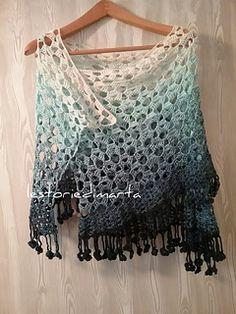 Un mare di fiori - free Italian charted rectangular shawl pattern by Marta bellebono