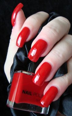 "red+nails+filterui:playable_mobile | Romika's Nails: H&M Red Nail ""Hot Hot and Hotter"""