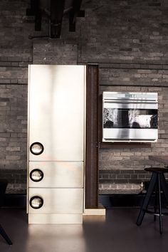 A Kitchen With Industrial Look Designed by Tom Dixon | www.designrulz.co...