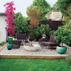 How To Design Charming Landscape Using Pea Gravel Patio: Beautiful Pea Gravel Patio With Edging Ideas And Patio Furniture With Backyard Fencing