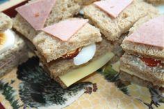 Heldensandwich: kaas of boterhamworst met tomaat en ei