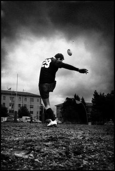 Sport photography rugby all black 59 Ideas – From Parts Unknown Rugby League, Rugby Players, Rugby Images, Rugby Rules, Ulster Rugby, Rugby Training, Sport Photography, Vintage Photography, Photography Poses