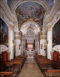 Siena (Italia) - Santuario Casa di Santa Caterina da Siena - Chiesa Crocifisso - interno